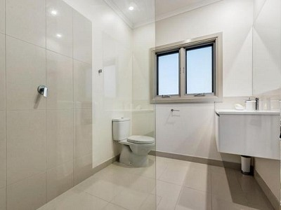 Bathroom renovation bentleigh east after